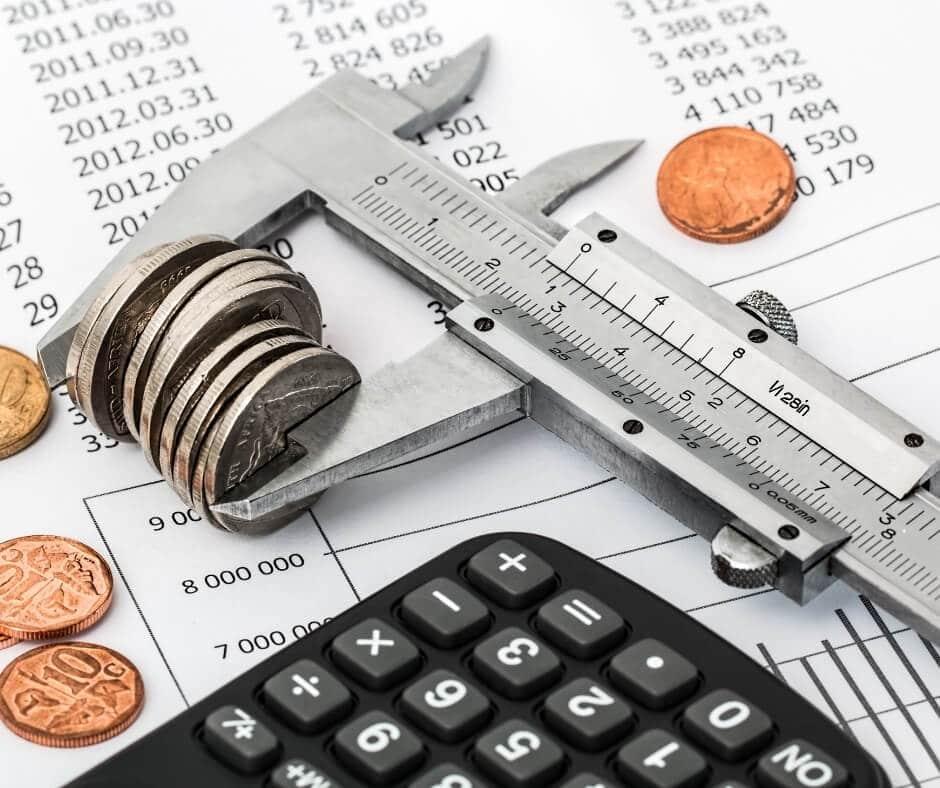 Cobro de intereses sobre el diferimiento de pago de créditos en Bolivia